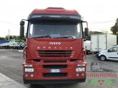 Trinacria Autoveicoli S.r.l. Autocarro Camion Furgone Iveco 260S43 3 assi pianale con rampe idrauliche 2004 (2)