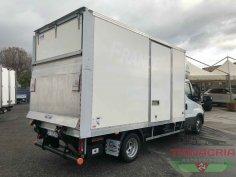 Trinacria Autoveicoli S.r.l. Autocarro Camion Furgone Iveco Daily 35C15 Furgone il playwood e sponda 2018 (4)