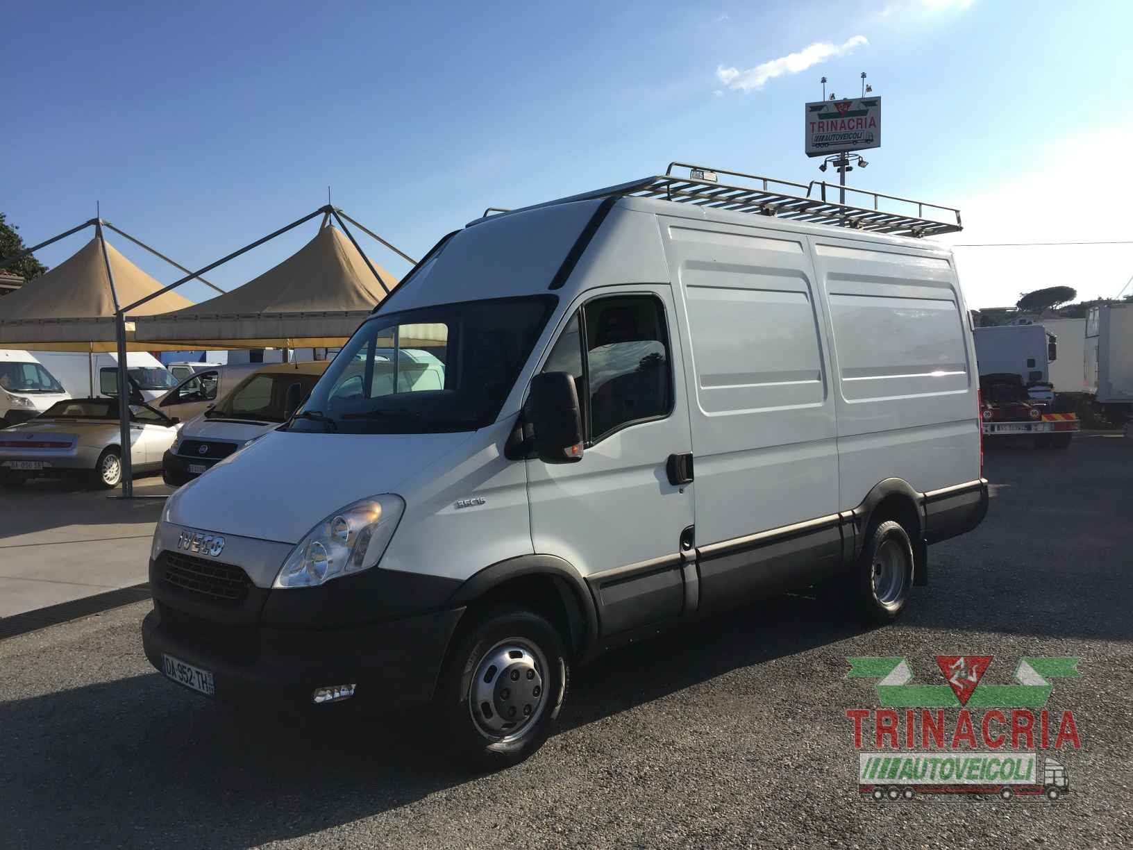 iveco daily 35c15 furgone mh2 trinacria autoveicoli s r l. Black Bedroom Furniture Sets. Home Design Ideas