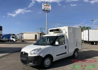 Trinacria Autoveicoli S.r.l. Autocarro Camion Furgone Fiat Doblo 1.6 M. Jet casso frigorifera isotermico 2014