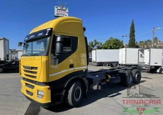 Trinacria Autoveicoli S.r.l. Autocarro Camion Furgone Iveco STRALIS telaio passo 4.800 3 assi intarder anno 2010