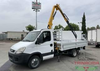 Trinacria Autoveicoli S.r.l. Autocarro Camion Furgone Iveco 35C13 gru effer e cassone nuovi 2011